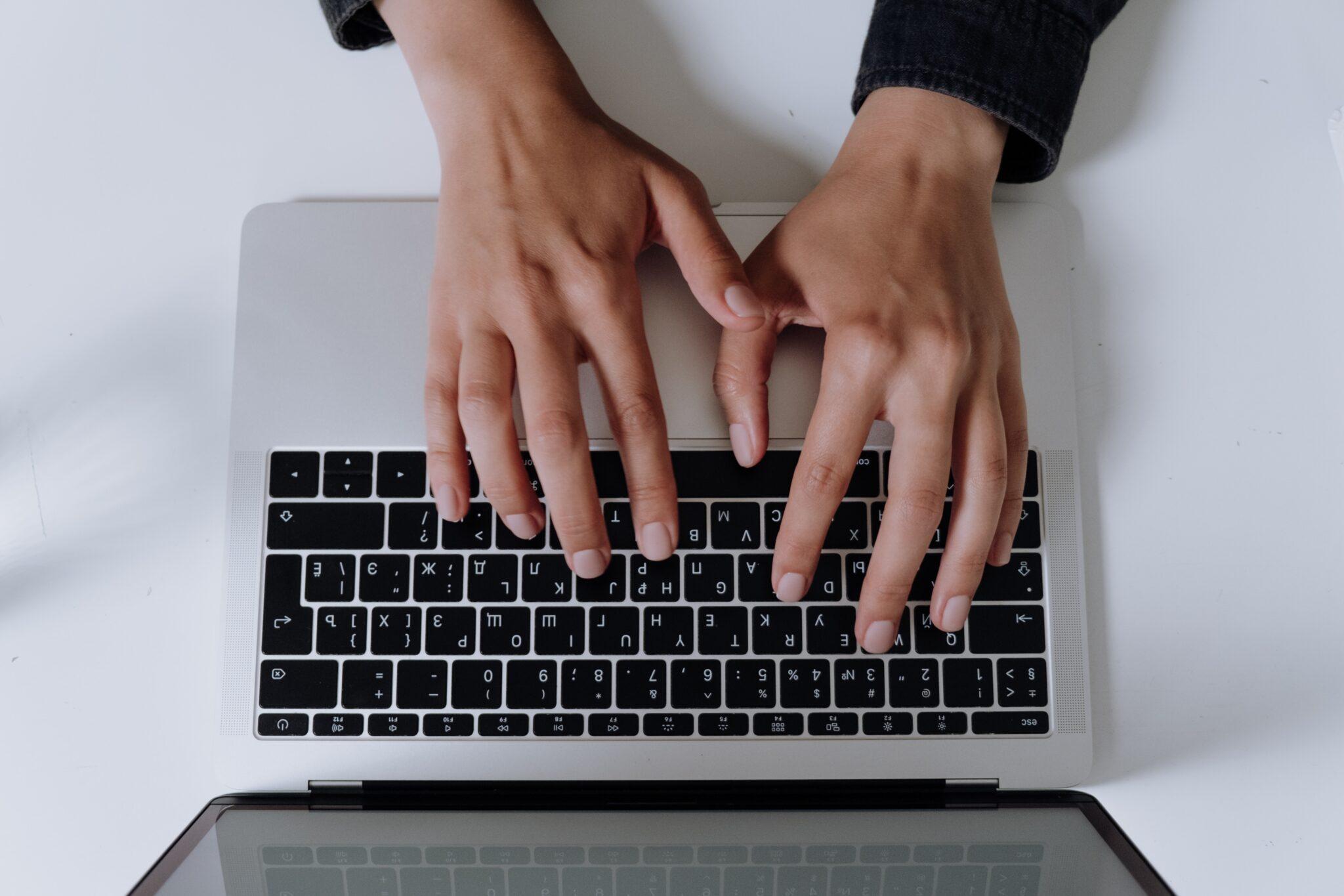 15 tool-uri care te ajută să economisești timp în blogging
